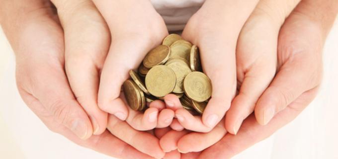 Rychlejší pomoc i vyšší přídavky na děti. Rok 2018 přináší důležité změny