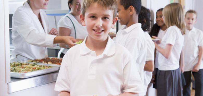 Pestrost, zelenina, žádné UHO! Odborníci radí, jak na školní svačiny a obědy