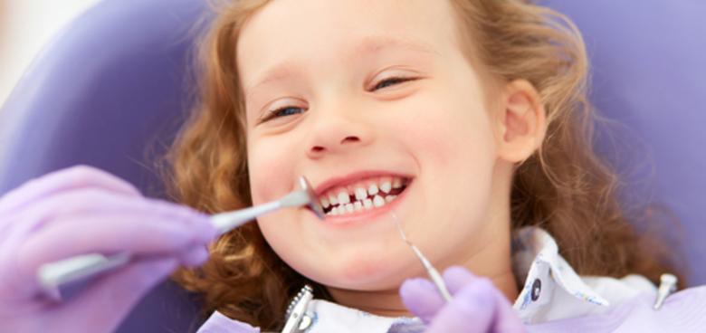 Kdy by dítě mělo prvně usednout do zubařského křesla?