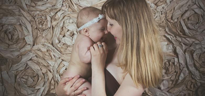 Maminky zapomínají na důležité výdaje. Často jsou zaskočeny finanční náročností mateřství