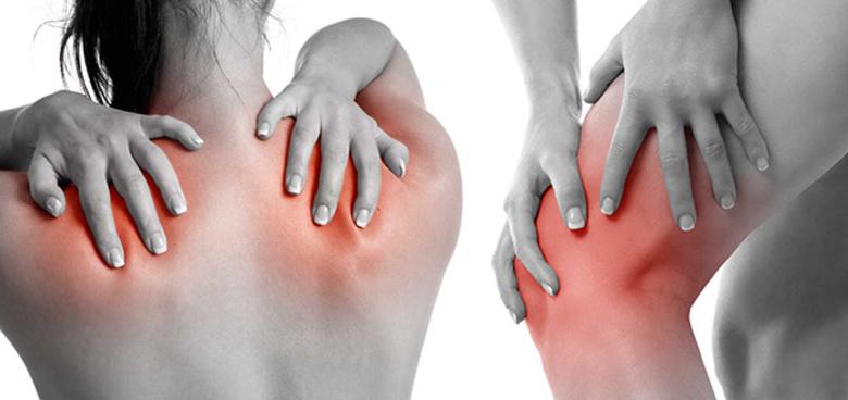 Revmatoidní artritida ji často naprosto znehybní. Nemůže si ukrojit chleba ani vyčistit zuby
