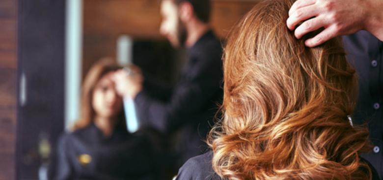 Barvení vlasů je obestřeno mnoha mýty