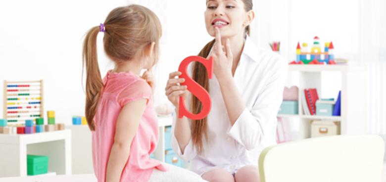 Řečové vady jsou u dětí stále častější. Kdy vyhledat odborníka a jak doma správně trénovat?