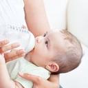 Odsávačka mateřského mléka: Zbytečnost nebo nutnost?