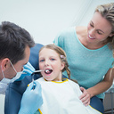 Víte, jak máte jíst, abyste zabránili vzniku zubního kazu u sebe i u svých dětí?