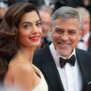 Fotogalerie: Slavní tátové po padesátce. Zvládl to Karel Gott i George Clooney