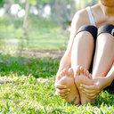Trápí vás zápach nohou? Na vině je často nedostatečná hygiena a nevhodná obuv