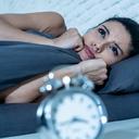 Nespavost souží stále více lidí. Jak si s ní poradit?