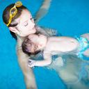"""Plavání pro miminka je """"in"""". Začít můžete už v porodnici"""