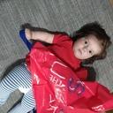Tátův blog: Nejlepší hračky? U nás frčí igelitky a letáky z Kauflandu