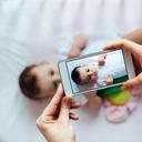 Dáváte fotky dětí na Facebook? Mějte se na pozoru, všechno se dá zneužít!
