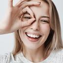 Záněty očí se nejčastěji objevují začátkem léta. Kdy navštívit lékaře?