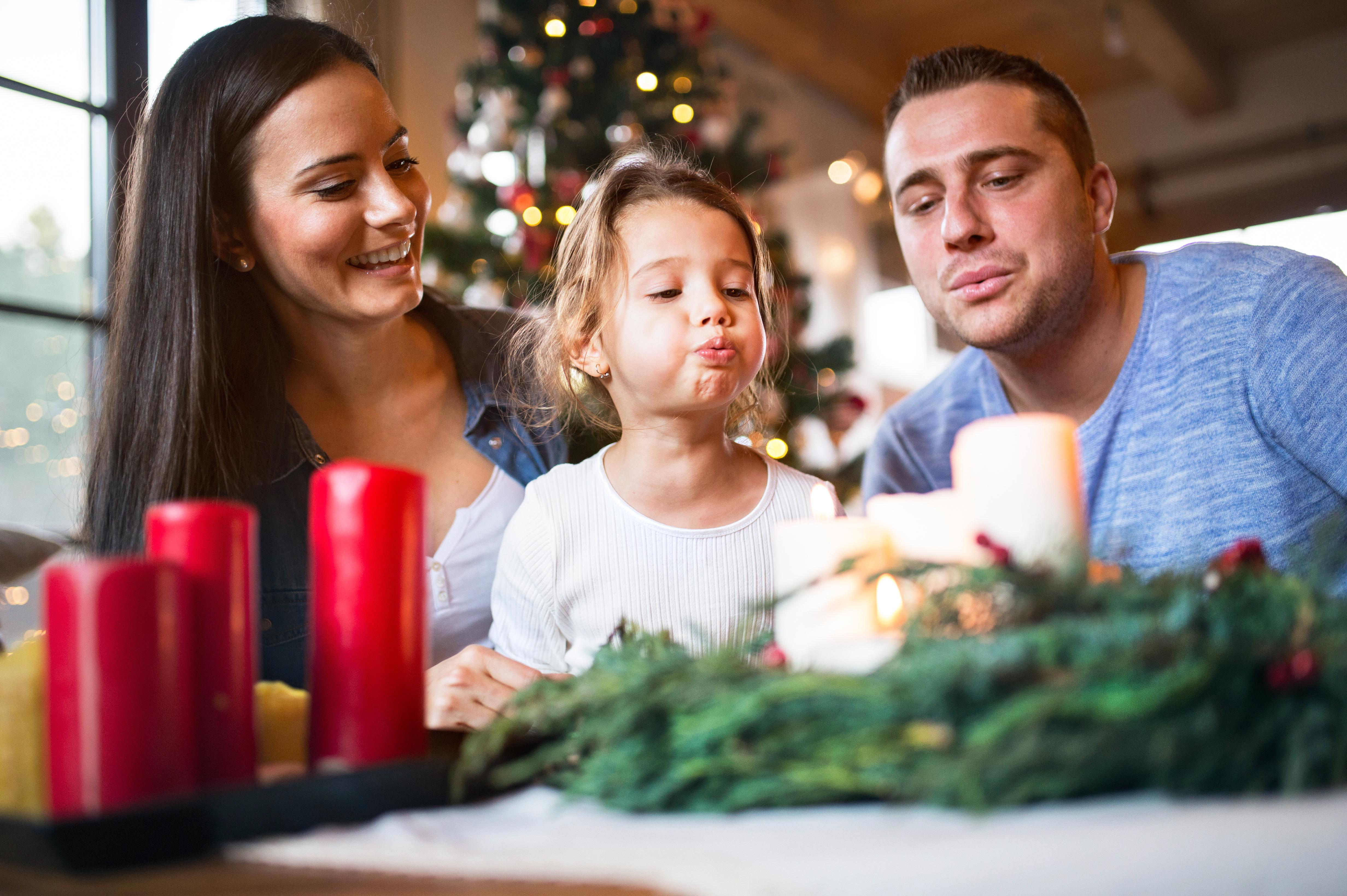 Advent plný radosti. Udělejte si černou hodinku, nebo ušijte adventní kalendář