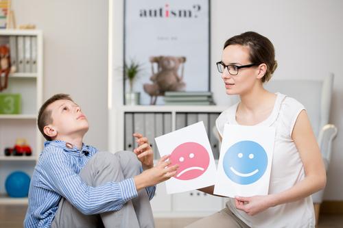 Zlepšuje se diagnostika dětí s autismem, pojišťovna už rok hradí nové vyšetření