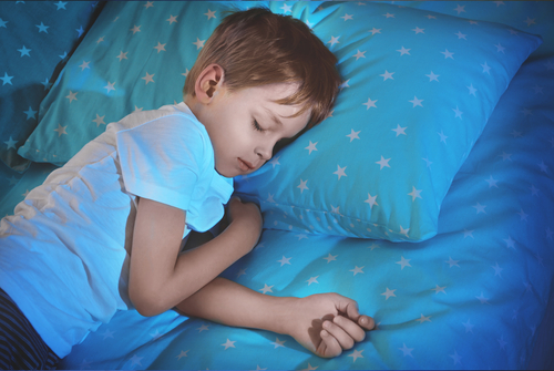 Noční pomočování není jen mokré prostěradlo