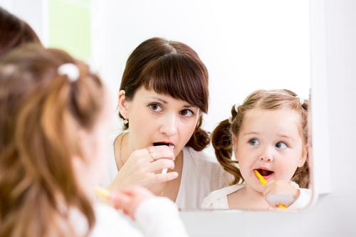 Správnou péčí o zuby lze přecházet mnoha zdravotním problémům