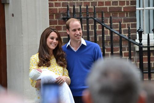 Vévodkyně Kate očekává třetího potomka